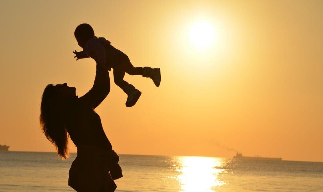 Férias na praia: 9 recomendações para famílias com bebês